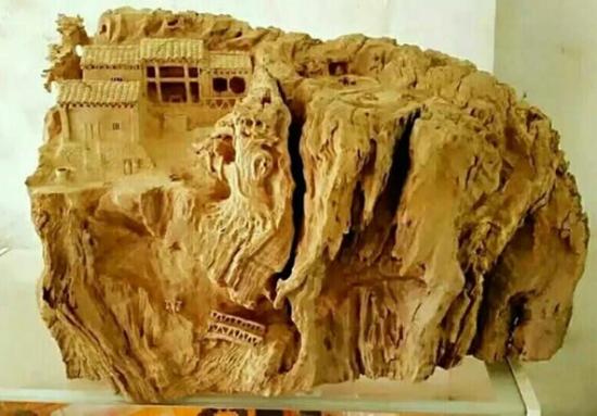 华老根根雕工作室作品《顶上人家》